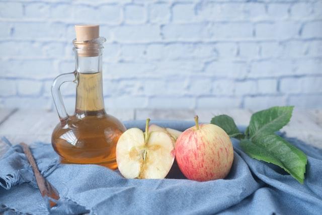apple cider vinegar and ingredients